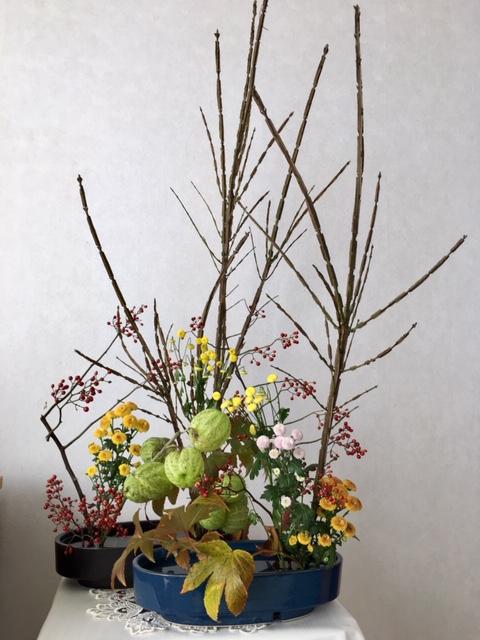 教会・冬の生け花