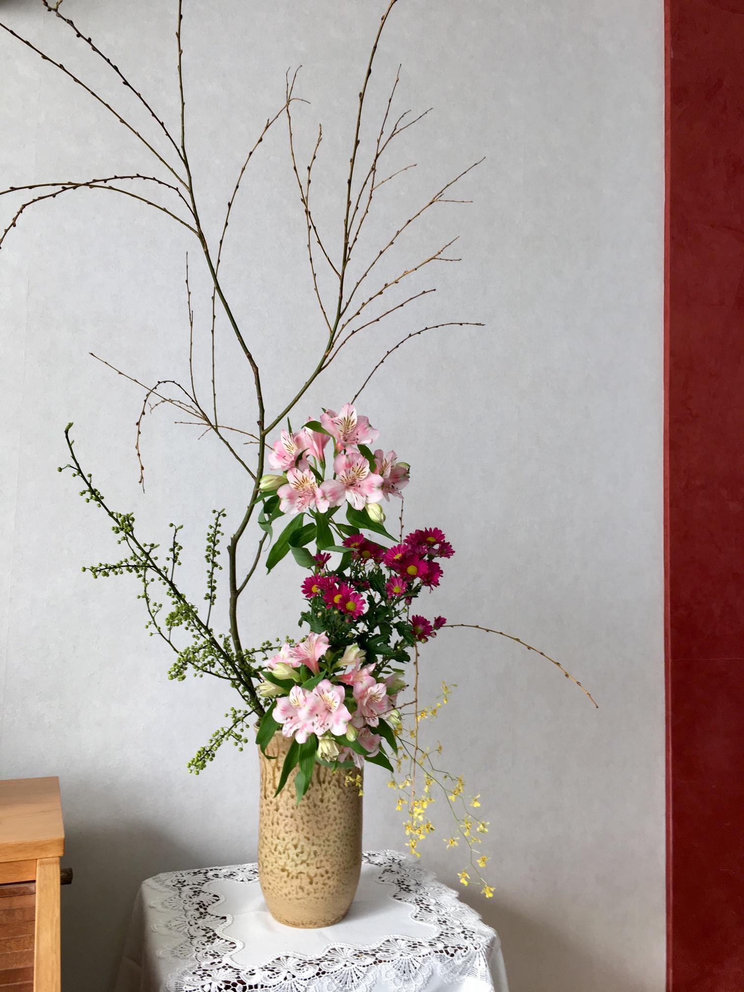 教会・春の生け花